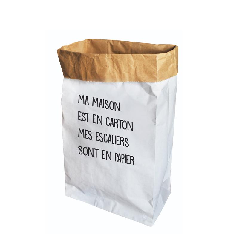 Le sac en papier pour le rangement de la maison
