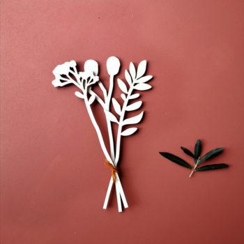 Bouquet de trois fleurs en bois