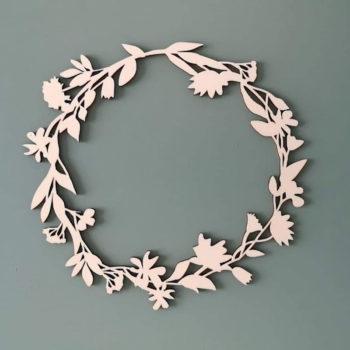 Couronne de fleurs en bois made in France
